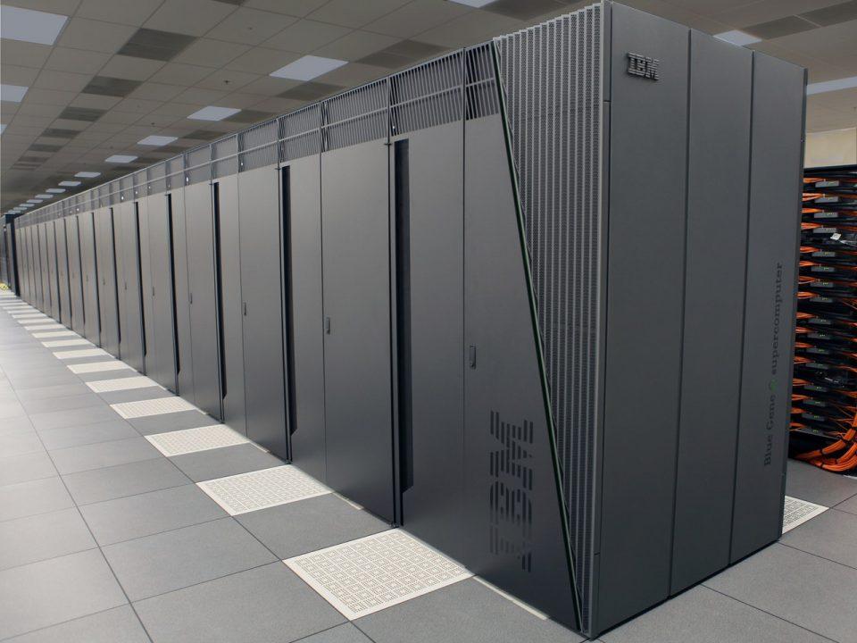 Czym różni się VPS od serwera dedykowanego i którą usługę wybrać